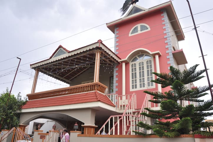 Furnished 2 BHK available in 1st Floor of a villa