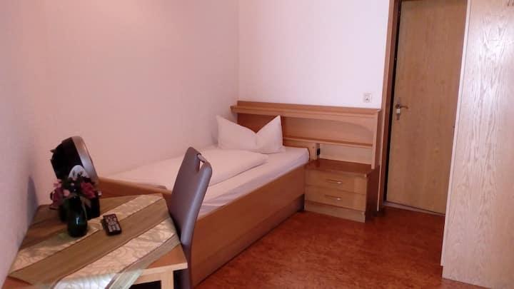 Weinhotel Goger (Sand am Main), Economy Einzelzimmer mit kostenfreiem WLAN