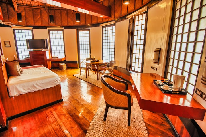 Elegant Spacious Room with private veranda