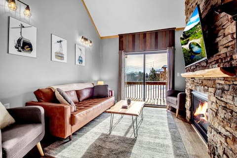 Newly renovated ski-in/out condo Holiday Valley