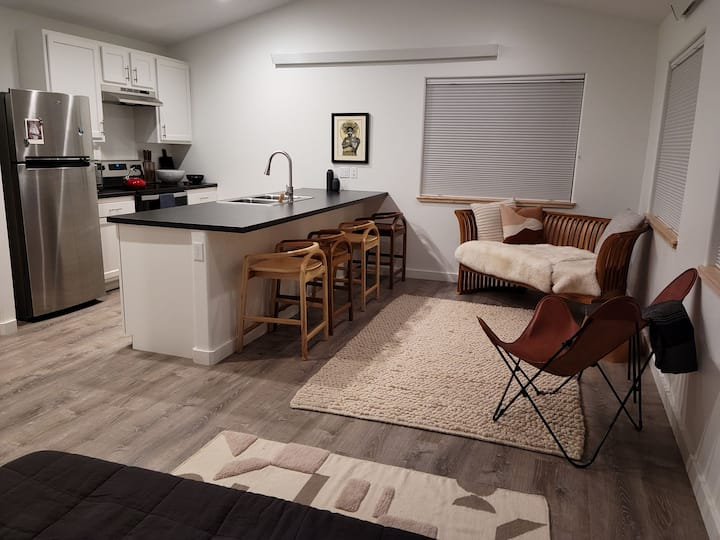 Sunny Loft walking distance to downtown Gunnison