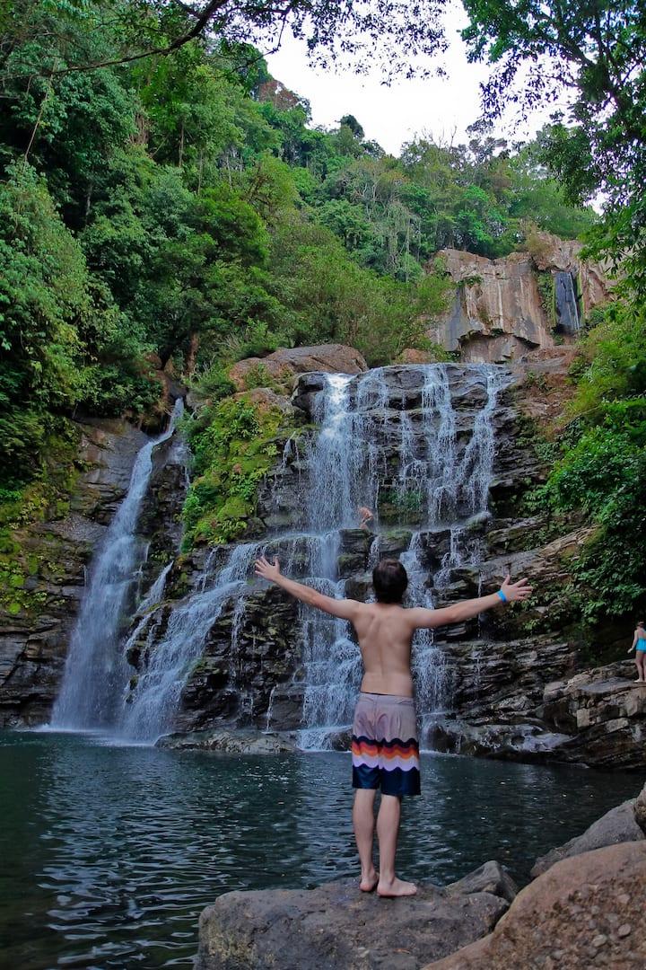 Nayuaca Waterfall, Puntarenas
