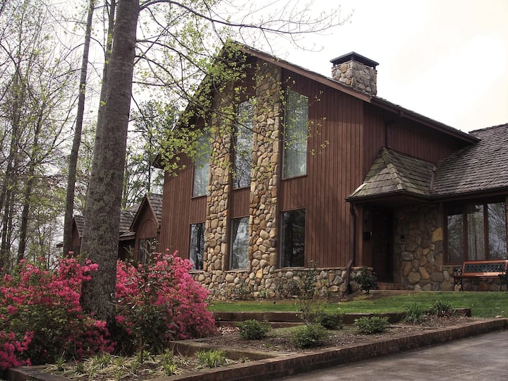 Eagles Rest Bed & Breakfast (room 3) Near Clemson!