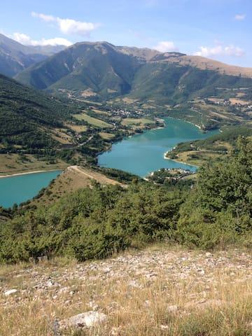 CASAVACANZE in  Montagna /Lago - FIASTRA - Rumah