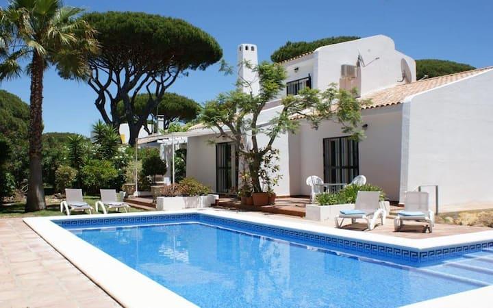 Casa Miguel, Stylish 4 bedroom villa in Roche