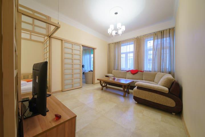 PaulMarie Apartments on Kommunarov - Homieĺ - Apartamento
