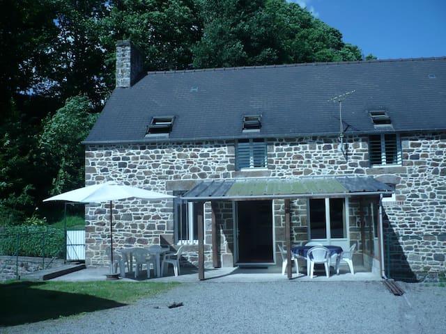 Le Moulin du Val - Pleine-Fougères - บ้าน