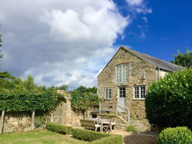 Beautiful barn in peaceful valley - Brighstone - Casa