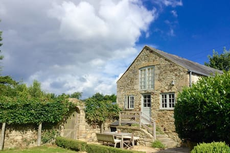 Beautiful barn in peaceful valley - Brighstone
