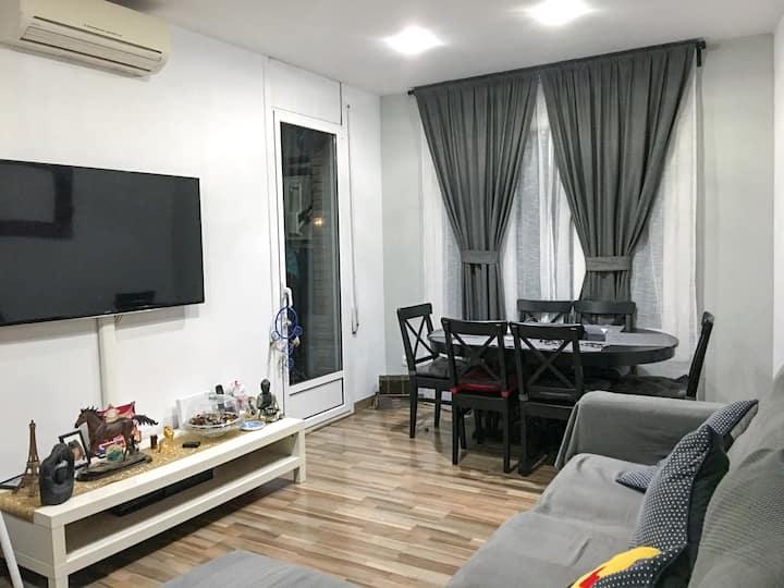 Habitación individual tranquila y luminosa.