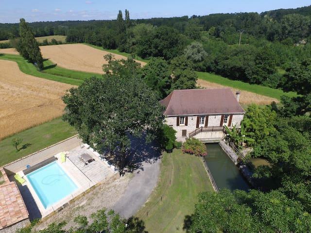 Moulin de caractère avec piscine - Saint-Nexans - Casa
