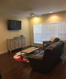 Tuscaloosa - Entire Condo - Perfect For Game Day