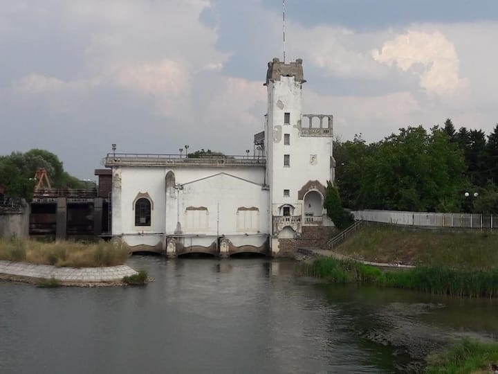 Renovated mansion near Bega river