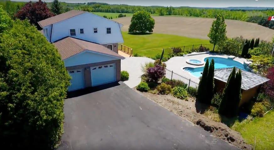 Caledon Farm House Retreat