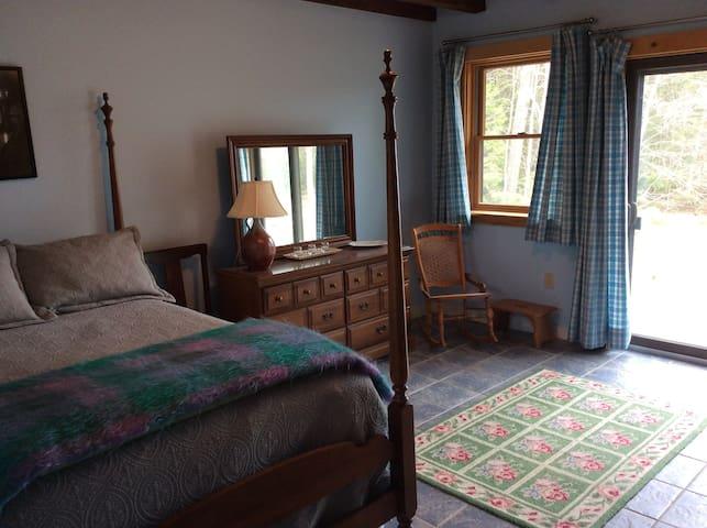 1st Floor Bedroom Full/Double Bed