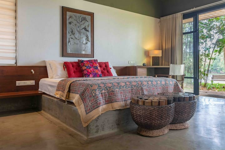 ★ View | Private Bedroom★ in Luxurious Decor Villa