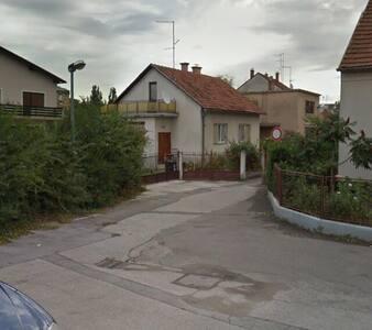 Empty house for rent - Varaždin - Casa