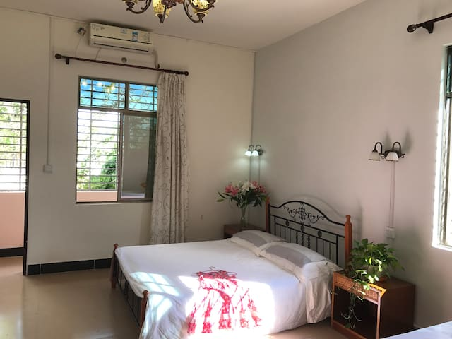 301 Family Room with balcony and kitchen - Sanya - Serviced apartment