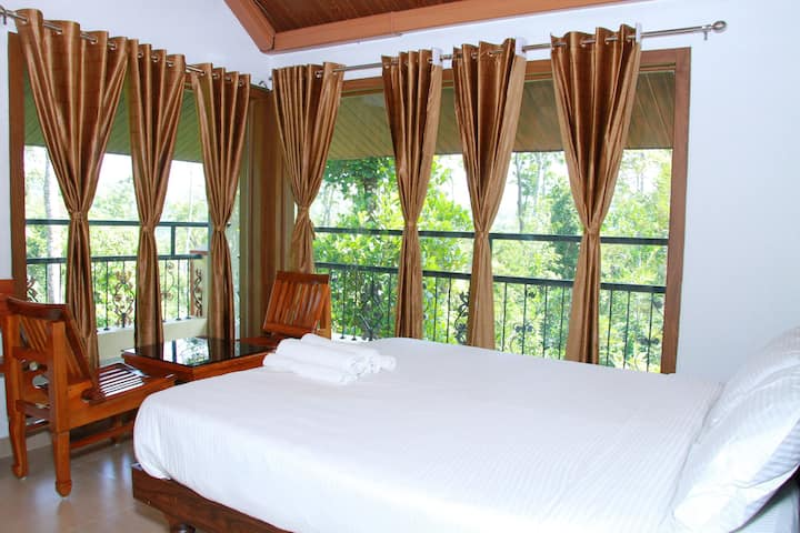 DELUXE ROOMS WITH BALCONY IN COFFEE PLANTATION