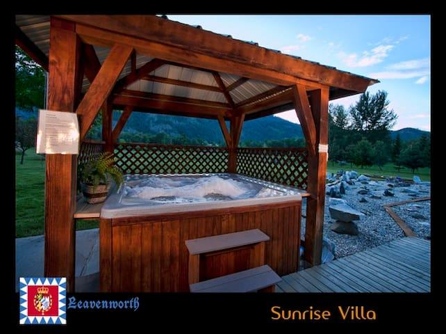 Sunrise Villa- ideal for weekend getaways in town!