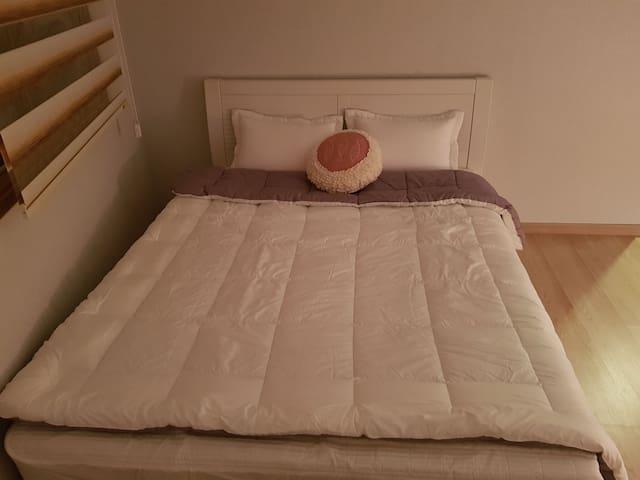 საძინებელი 1