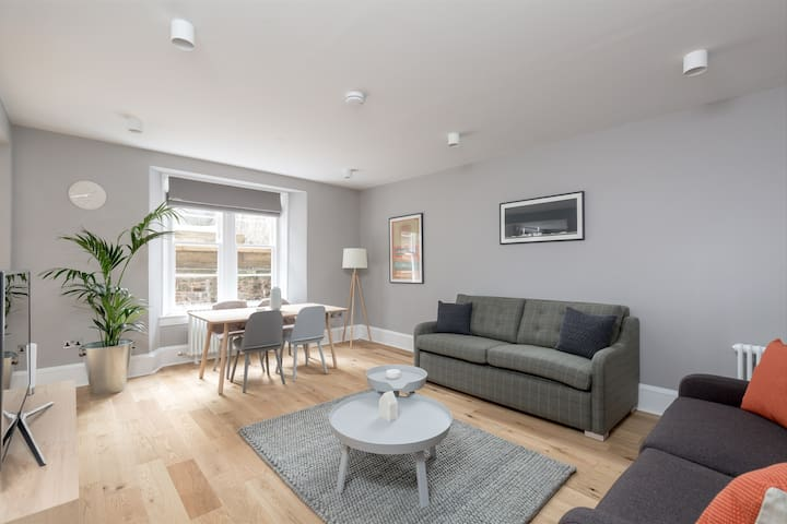 Torphichen Street 5* City Centre 2bed/2bath