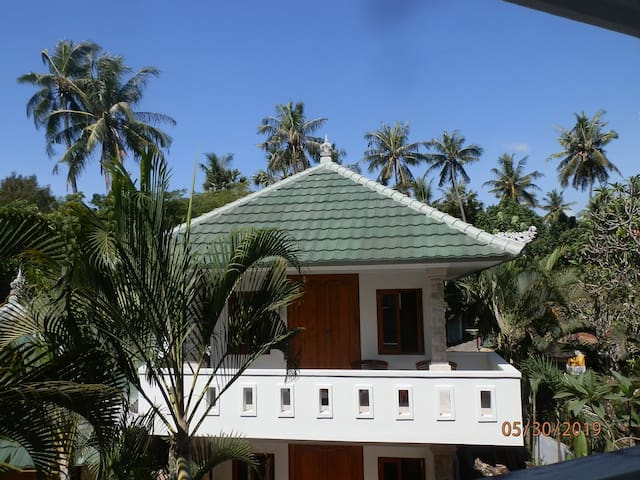 Garden Bungalow 3 - 3 single beds, 2nd floor