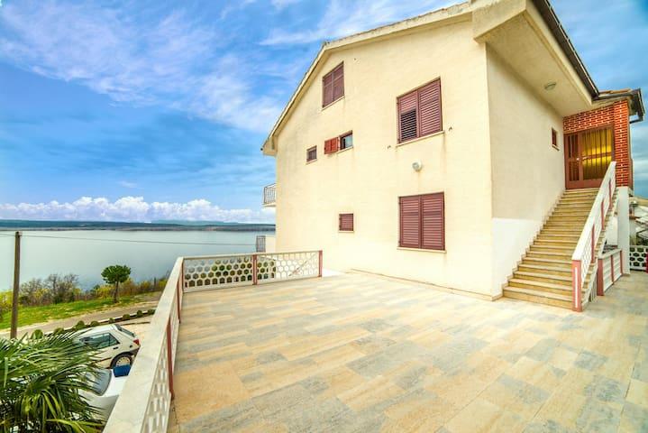 Apartments Rozarija 4224 / Studio 3  6/1