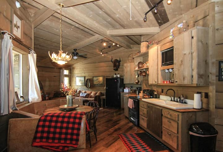The Bunkhouse at Shiloh Ranch in a quiet setting