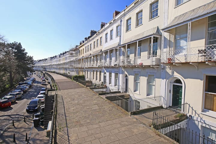 Beautiful Grade II listed apartment in Clifton