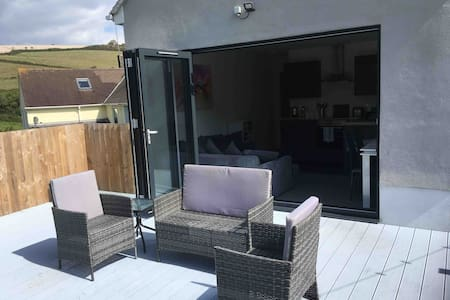 Nancy's Place  Kingsand  Spacious New 2 Bed House