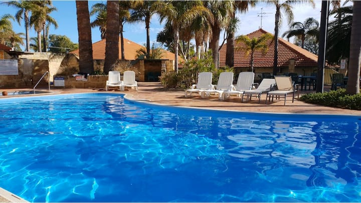 U10 Spa Mandurah Family Resort near beach