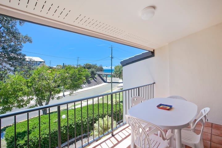 Townhouse @ Beach Breakers 150 metres from beach.