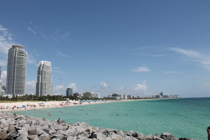 Offer 45$ /Miami Beach /Private Room #2