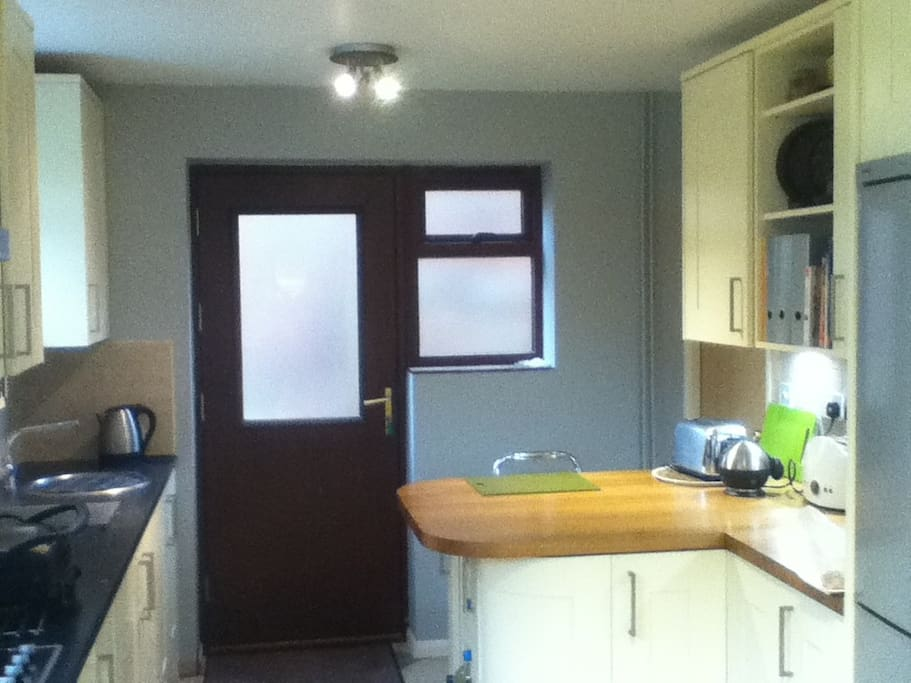 kitchen own sink and combi microwave