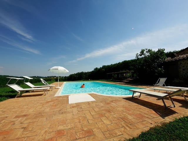 Tana ,  panoramic apartment with pool and terrace - Montalcinello - Wohnung