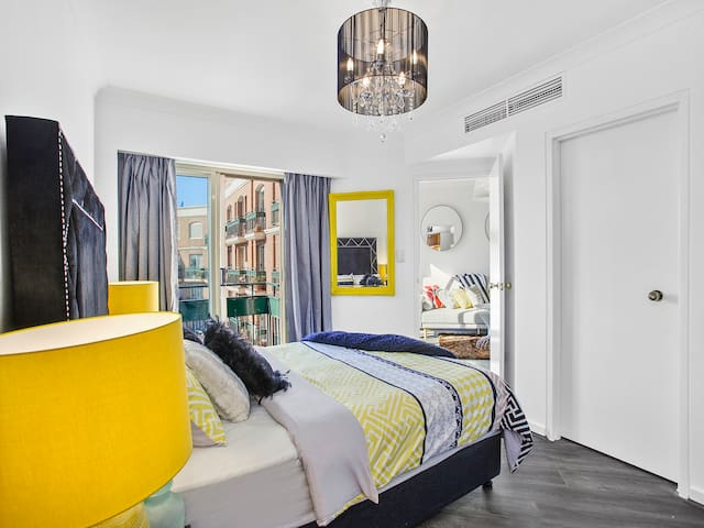 PRIME SYDNEY LOCATION VIEWS BALCONY POOL AIRCON - Potts Point - Apartamento