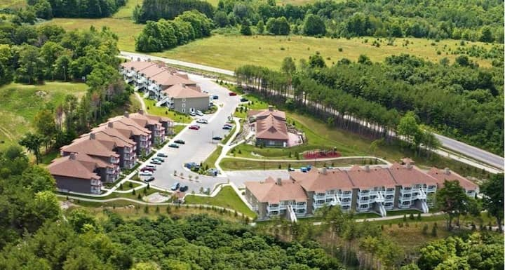 Carriage Ridge Resort 1BD/ 1BA.