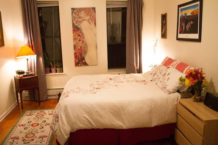 Beautiful  Bedroom in Williamsburg