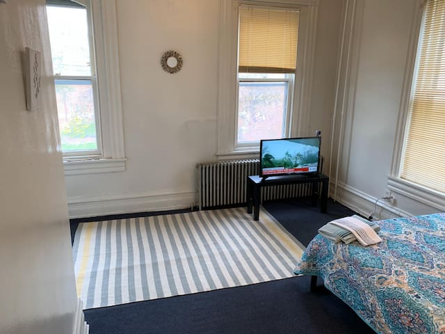 Sunshine & Comfort Bedroom (Females Only)