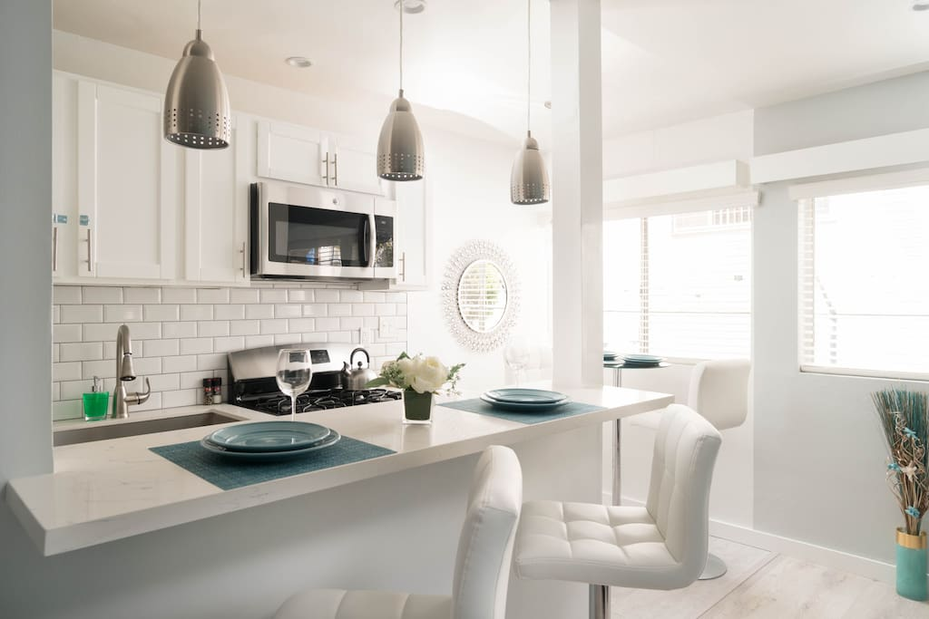 GORGEOUS !!! Fully Equipped Kitchen