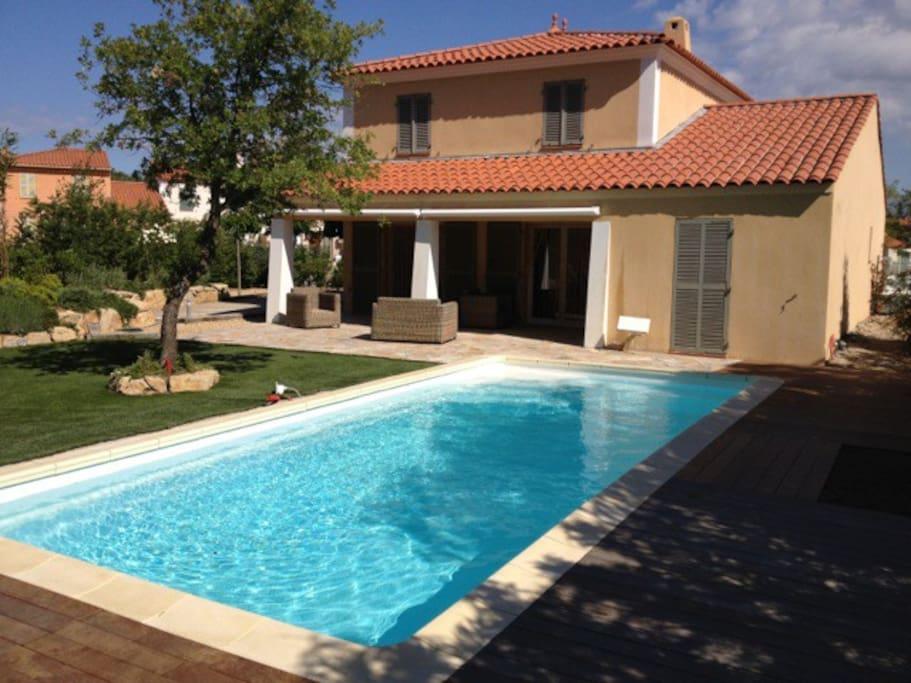 Villa spacieuse piscine priv e roquebrune s argens for Piscine roquebrune sur argens