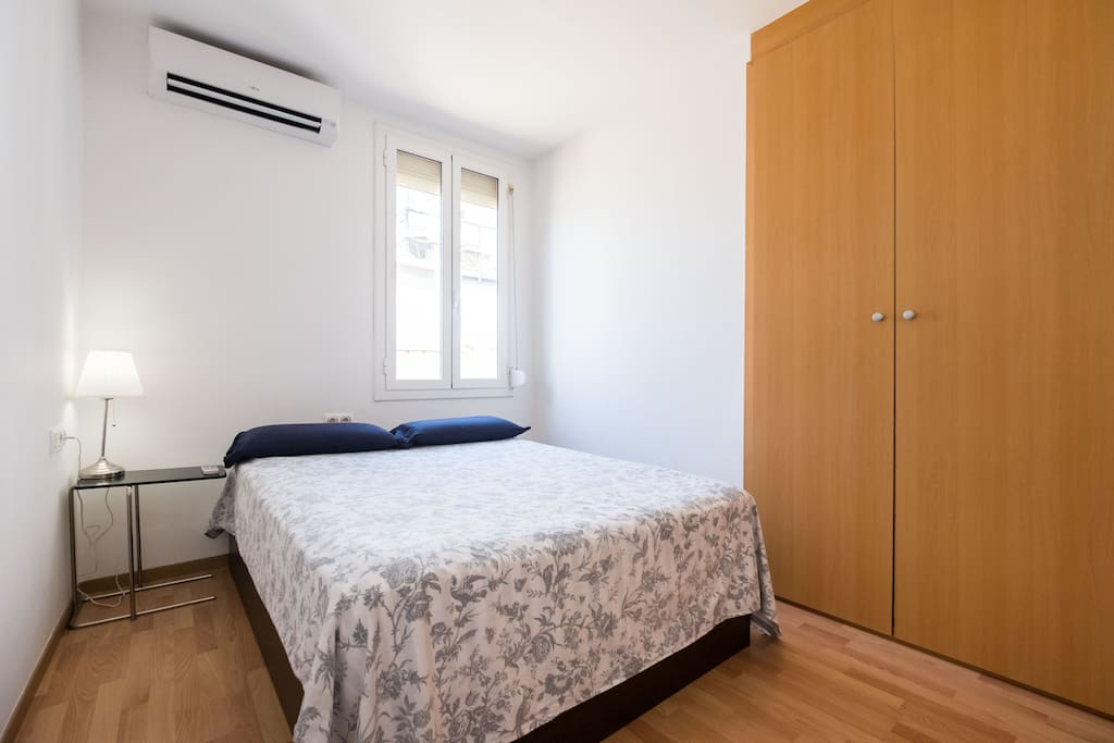 Sunny double bedroom with high quality king size bed 200cm x150cm and silence