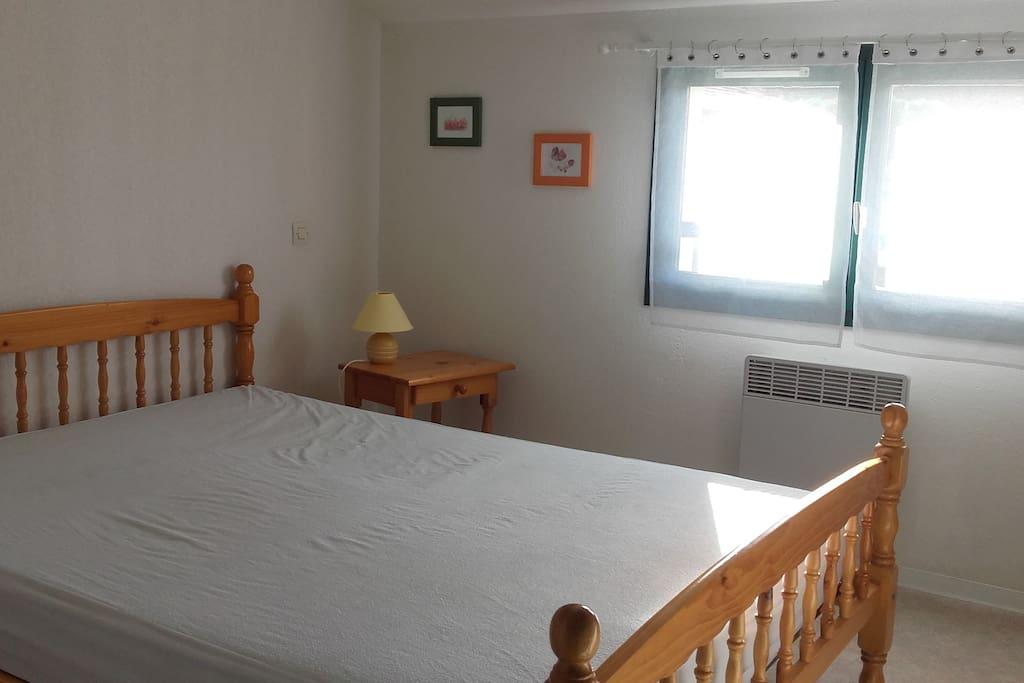 Chambre côté sud lit double