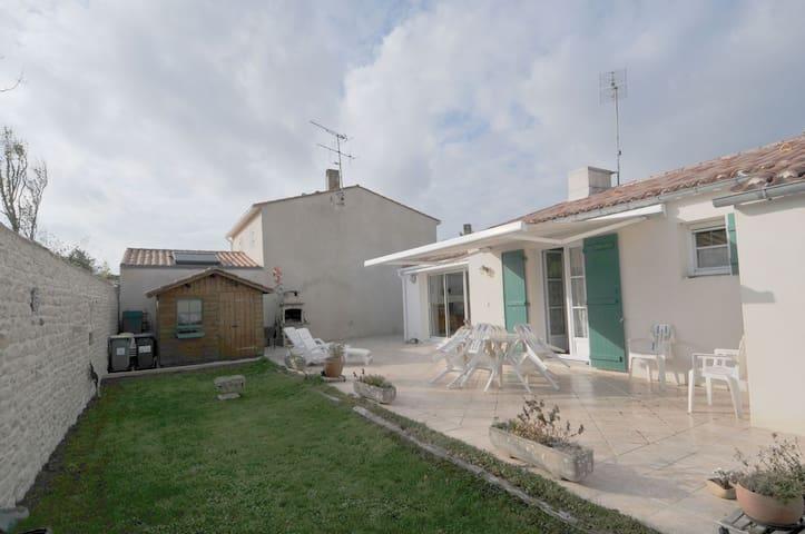 Villa proche port
