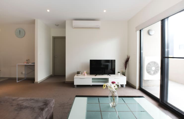 SPECIAL! 2BR Apartment Glen Waverley Melbourne