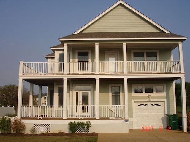 Exceptional Beach Home- Currituck Club Golf Course