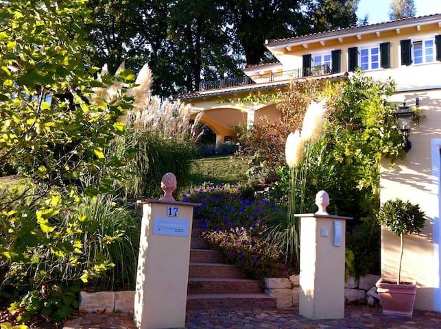 Mediterrane Villa am Chiemsee ***** - Bernau - วิลล่า