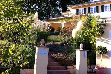 Mediterrane Villa am Chiemsee ***** - Bernau