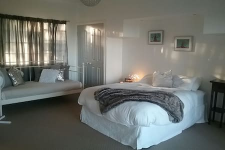Princess Room, The Last Resort Byron Bay